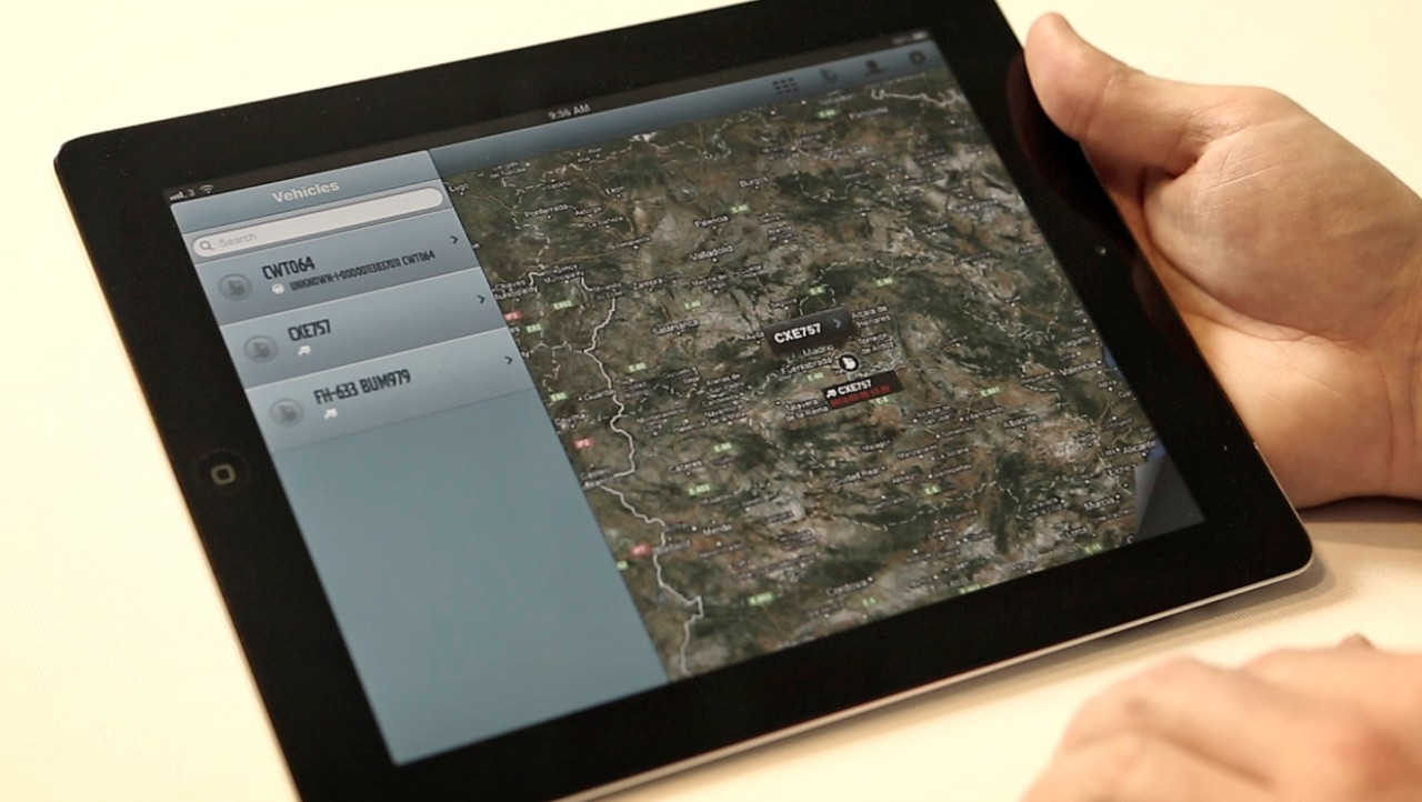 Volvo trucks managing dynafleet positioning tablet